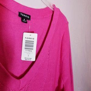 torrid Sweaters - Torrid Pink knit v neck tunic NEW sz 3 sweater